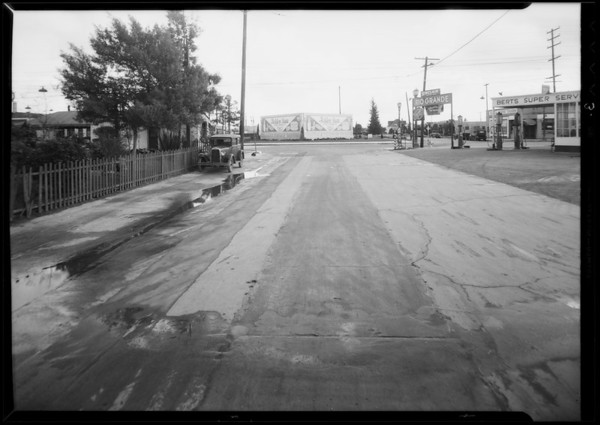 Intersection of West 60th Place and South Western Avenue, Pontiac sedan, Southern California, 1935