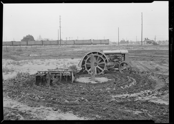 Tractor demonstration on Downey Road, Los Angeles, CA, 1931