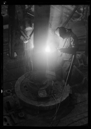 Welding casing at Del Rey, American Pipe & Steel, Southern California, 1935