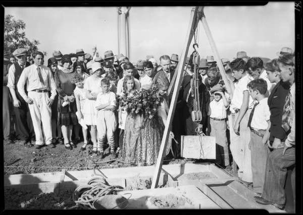 Opening day at Midwick View Estates, Southern California, 1929