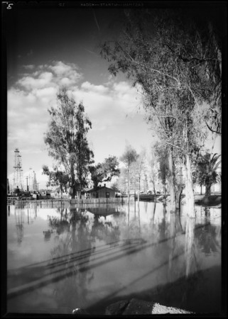 Santa Fe oil fields, Southern California, 1930