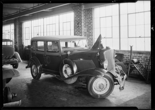 Auburn sedan, Getchel & Son Incorporated owners, Southern California, 1934