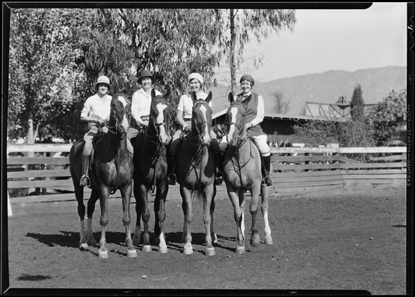 Group at Glendale Riding Academy, Glendale, CA, 1930