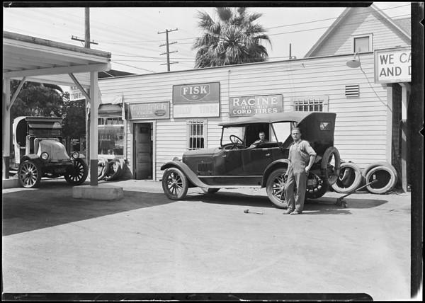 Phillips Tire Shop, Los Angeles, CA, 1924