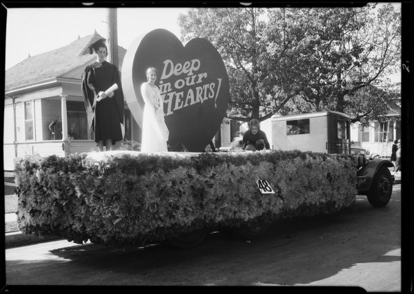 Float in University of Southern California parade, Southern California, 1930