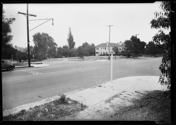 Intersection, West 4th Street & South Commonwealth Avenue, Hollywood City Dye Works, Ida L. Johnson - Injured, Alhambra, CA, 1931