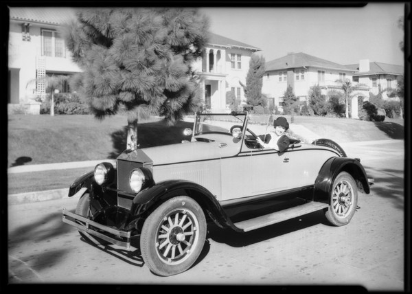 Margaret Livingstone and 'Elcar', Southern California, 1925