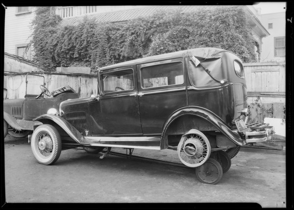 Essex coach, Union Auto Insurance, Southern California, 1931
