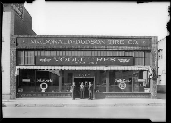 Paul Whiteman's Cord coupe, MacDonald-Dodson Tire Co., Southern California, 1930