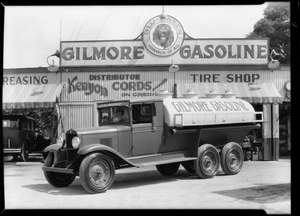 Gilmore oil truck, Southern California, 1929