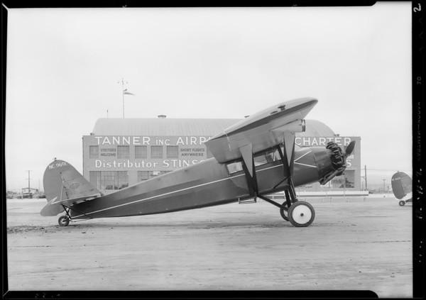 Airplane in front of hangar at Clover Field [Santa Monica Airport], Santa Monica, CA, 1929