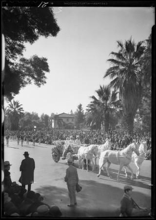 Parade floats, Tournament of Roses, Pasadena, CA, 1933