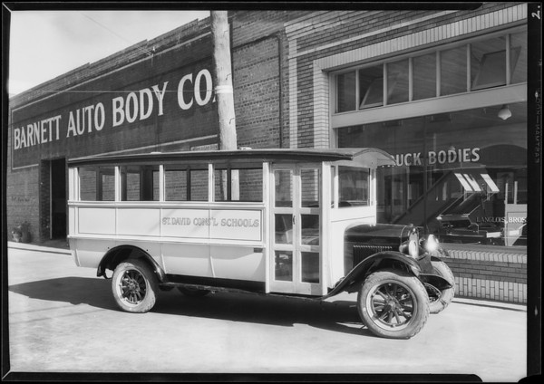 School bus at 800 Santa Fe Avenue, Southern California, 1927