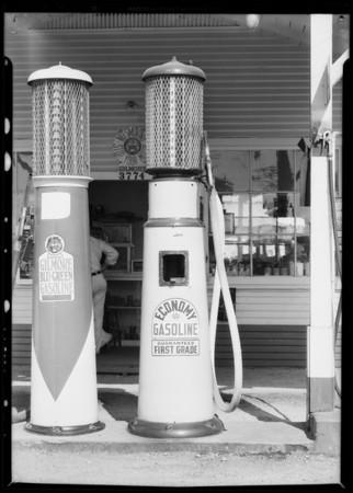 Economy pump, Southern California, 1932
