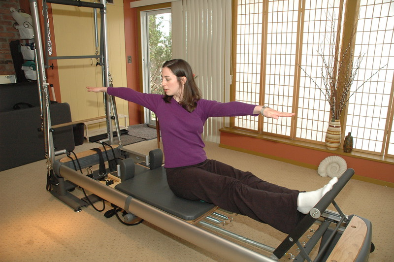 Stomach Massage Twist on Reformer