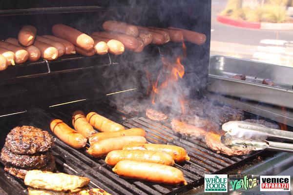 09 05 09 Whole Foods Market One Year Anniversary   Free BBQ   Customer Appreciation   225 Lincoln Blvd   Venice, Ca 310  566 9480 (70)