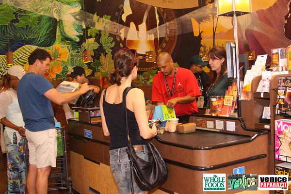 09 05 09 Whole Foods Market One Year Anniversary   Free BBQ   Customer Appreciation   225 Lincoln Blvd   Venice, Ca 310  566 9480 (279)