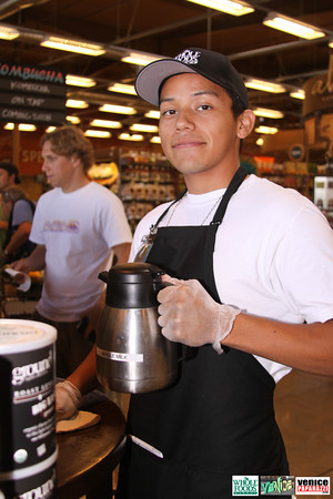 09 05 09 Whole Foods Market One Year Anniversary   Free BBQ   Customer Appreciation   225 Lincoln Blvd   Venice, Ca 310  566 9480 (318)