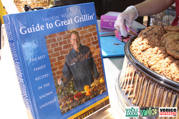 09 05 09 Whole Foods Market One Year Anniversary   Free BBQ   Customer Appreciation   225 Lincoln Blvd   Venice, Ca 310  566 9480 (81)