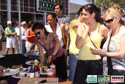 09 05 09 Whole Foods Market One Year Anniversary   Free BBQ   Customer Appreciation   225 Lincoln Blvd   Venice, Ca 310  566 9480 (25)