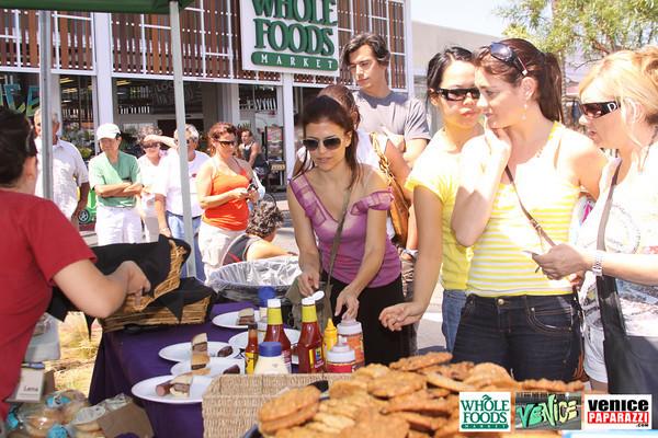 09 05 09 Whole Foods Market One Year Anniversary   Free BBQ   Customer Appreciation   225 Lincoln Blvd   Venice, Ca 310  566 9480 (27)