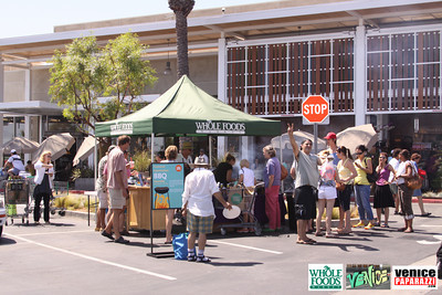 09 05 09 Whole Foods Market One Year Anniversary   Free BBQ   Customer Appreciation   225 Lincoln Blvd   Venice, Ca 310  566 9480 (12)