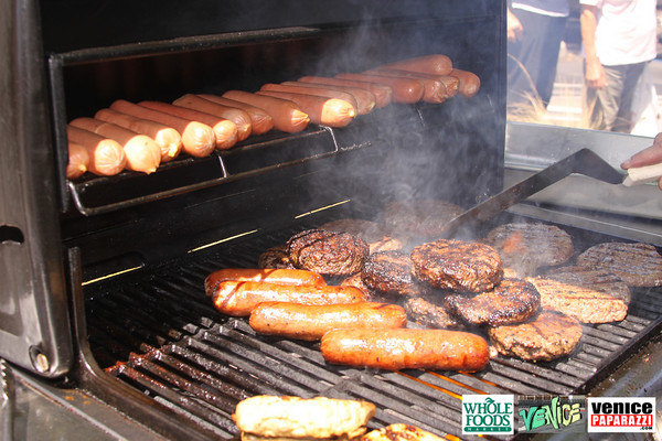 09 05 09 Whole Foods Market One Year Anniversary   Free BBQ   Customer Appreciation   225 Lincoln Blvd   Venice, Ca 310  566 9480 (47)