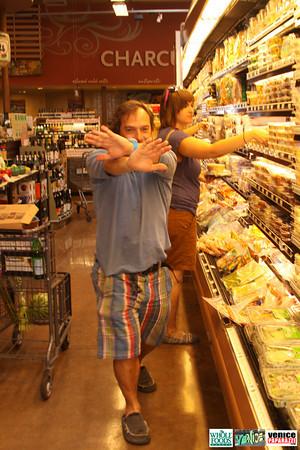 09 05 09 Whole Foods Market One Year Anniversary   Free BBQ   Customer Appreciation   225 Lincoln Blvd   Venice, Ca 310  566 9480 (202)