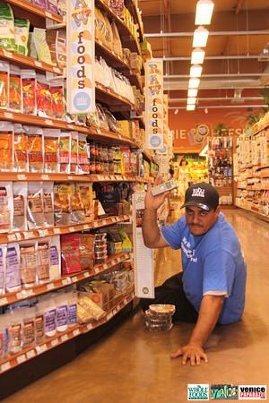 09 05 09 Whole Foods Market One Year Anniversary   Free BBQ   Customer Appreciation   225 Lincoln Blvd   Venice, Ca 310  566 9480 (198)