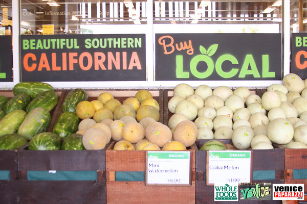 09 05 09 Whole Foods Market One Year Anniversary   Free BBQ   Customer Appreciation   225 Lincoln Blvd   Venice, Ca 310  566 9480 (430)