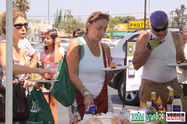 09 05 09 Whole Foods Market One Year Anniversary   Free BBQ   Customer Appreciation   225 Lincoln Blvd   Venice, Ca 310  566 9480 (110)