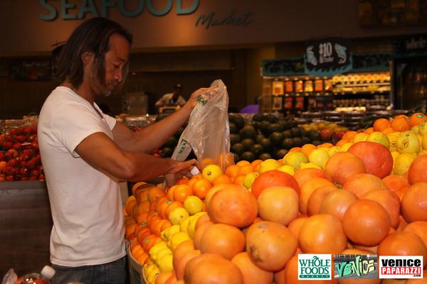 09 05 09 Whole Foods Market One Year Anniversary   Free BBQ   Customer Appreciation   225 Lincoln Blvd   Venice, Ca 310  566 9480 (346)
