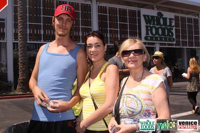 09 05 09 Whole Foods Market One Year Anniversary   Free BBQ   Customer Appreciation   225 Lincoln Blvd   Venice, Ca 310  566 9480 (21)
