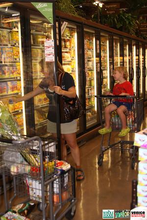 09 05 09 Whole Foods Market One Year Anniversary   Free BBQ   Customer Appreciation   225 Lincoln Blvd   Venice, Ca 310  566 9480 (324)