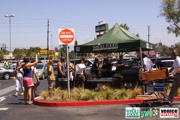 09 05 09 Whole Foods Market One Year Anniversary   Free BBQ   Customer Appreciation   225 Lincoln Blvd   Venice, Ca 310  566 9480 (126)