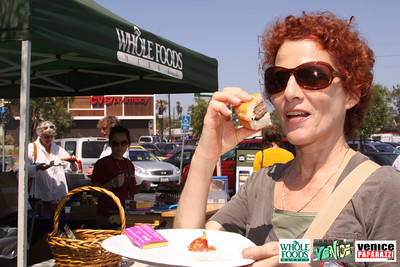 09 05 09 Whole Foods Market One Year Anniversary   Free BBQ   Customer Appreciation   225 Lincoln Blvd   Venice, Ca 310  566 9480 (82)