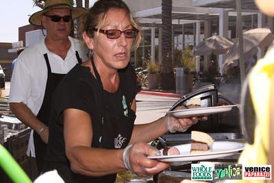 09 05 09 Whole Foods Market One Year Anniversary   Free BBQ   Customer Appreciation   225 Lincoln Blvd   Venice, Ca 310  566 9480 (23)