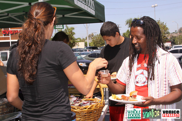 09 05 09 Whole Foods Market One Year Anniversary   Free BBQ   Customer Appreciation   225 Lincoln Blvd   Venice, Ca 310  566 9480 (169)