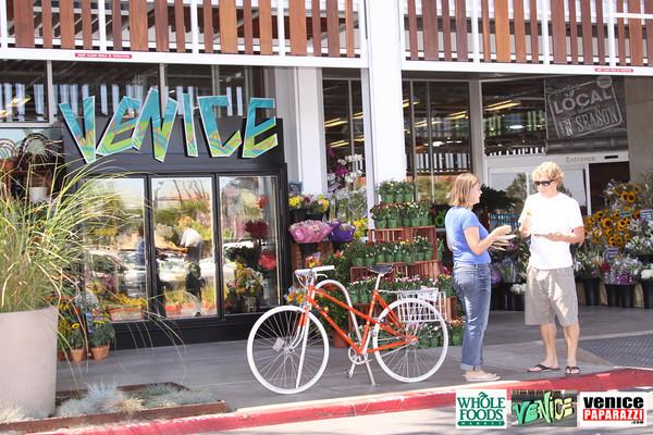 09 05 09 Whole Foods Market One Year Anniversary   Free BBQ   Customer Appreciation   225 Lincoln Blvd   Venice, Ca 310  566 9480 (147)