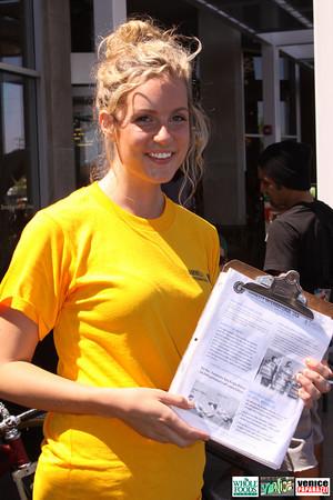 09 05 09 Whole Foods Market One Year Anniversary   Free BBQ   Customer Appreciation   225 Lincoln Blvd   Venice, Ca 310  566 9480 (305)