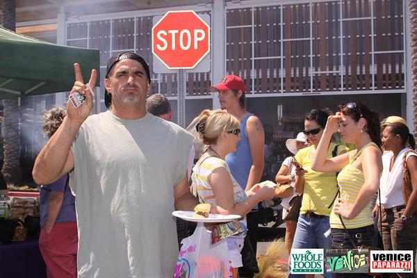09 05 09 Whole Foods Market One Year Anniversary   Free BBQ   Customer Appreciation   225 Lincoln Blvd   Venice, Ca 310  566 9480 (14)