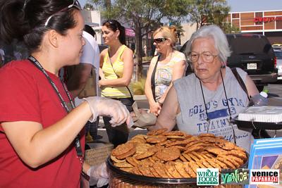 09 05 09 Whole Foods Market One Year Anniversary   Free BBQ   Customer Appreciation   225 Lincoln Blvd   Venice, Ca 310  566 9480 (19)