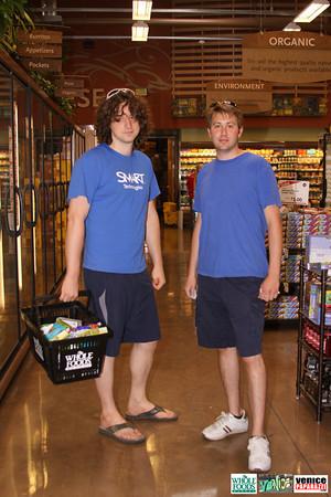 09 05 09 Whole Foods Market One Year Anniversary   Free BBQ   Customer Appreciation   225 Lincoln Blvd   Venice, Ca 310  566 9480 (319)