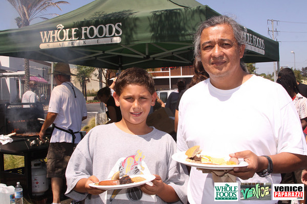 09 05 09 Whole Foods Market One Year Anniversary   Free BBQ   Customer Appreciation   225 Lincoln Blvd   Venice, Ca 310  566 9480 (167)