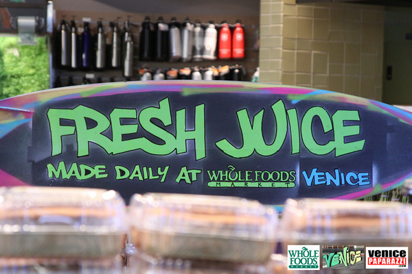 09 05 09 Whole Foods Market One Year Anniversary   Free BBQ   Customer Appreciation   225 Lincoln Blvd   Venice, Ca 310  566 9480 (515)