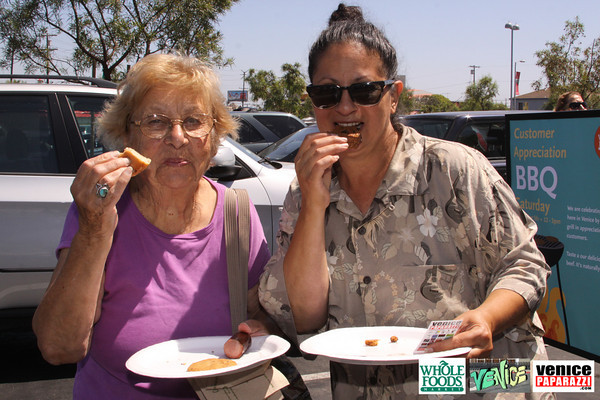 09 05 09 Whole Foods Market One Year Anniversary   Free BBQ   Customer Appreciation   225 Lincoln Blvd   Venice, Ca 310  566 9480 (138)