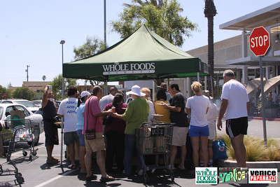 09 05 09 Whole Foods Market One Year Anniversary   Free BBQ   Customer Appreciation   225 Lincoln Blvd   Venice, Ca 310  566 9480 (8)