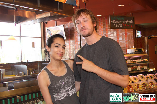 09 05 09 Whole Foods Market One Year Anniversary   Free BBQ   Customer Appreciation   225 Lincoln Blvd   Venice, Ca 310  566 9480 (250)