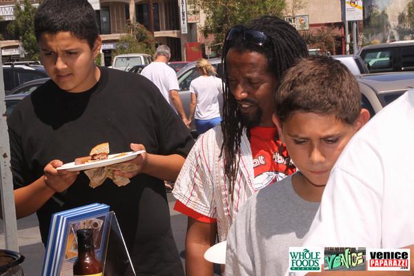 09 05 09 Whole Foods Market One Year Anniversary   Free BBQ   Customer Appreciation   225 Lincoln Blvd   Venice, Ca 310  566 9480 (163)