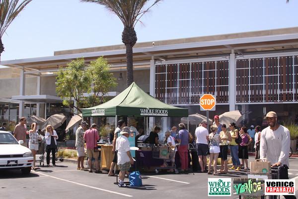 09 05 09 Whole Foods Market One Year Anniversary   Free BBQ   Customer Appreciation   225 Lincoln Blvd   Venice, Ca 310  566 9480 (11)